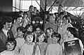 Platina plaat uitgereikt aan Flory Anstadt , producer plaat kinderen voor kinde, Bestanddeelnr 931-9921.jpg