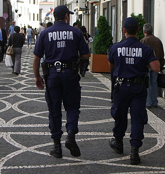 Polícia de Segurança Pública - Two PSP constables on foot patrol in Funchal on the island of Madeira