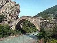 Pont de la reine Jeanne.jpg