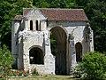 Pontpoint (60), ruines de l'église Saint-Pierre, rue de la vielle Eglise.jpg