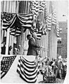 Pres. Woodrow Wilson speaking outside of Treasury Dept., Flag Day, 1915 LCCN2003663772.jpg