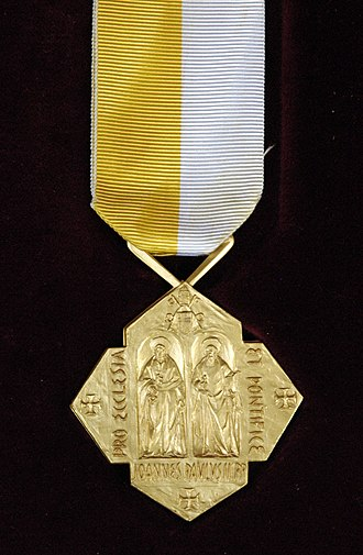 Pro Ecclesia et Pontifice - Obverse of the current medal