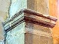 Puiseux-en-France (95), église Sainte-Geneviève, bas-côté sud, tailloir au début des grandes arcades (unique dans l'église).jpg