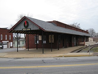 """Red Lion, York County, Pennsylvania - The former """"Ma and Pa"""" railroad station in Red Lion"""