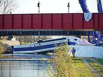 Eckwersheim derailment - Rear power car of derailed train