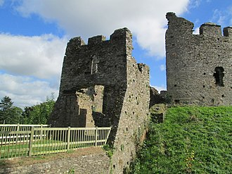 Restormel Castle - The gatehouse of Restormel Castle