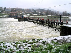 Needle dam - A manually operated needle dam-type weir near Revin on the Meuse, France
