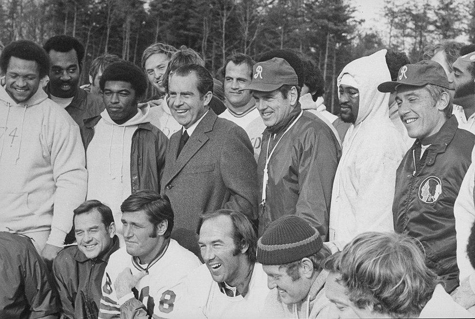 Richard M. Nixon meeting with the Washington Redskins football team. - NARA - 194738