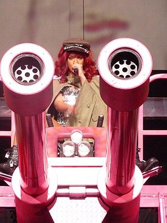 "Loud Tour - Rihanna performing ""Hard"" in Sunrise, Florida"