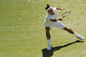 2009 Wimbledon Championships – Men's singles final - Image: Roger Federer at the 2009 Wimbledon Championships 05