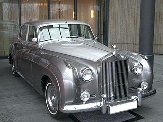 Rolls-Royce Silver Cloud Luxury saloon produced by Rolls-Royce