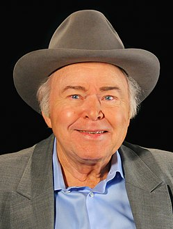 Roy Clark a conversation with OETA (cropped).jpg