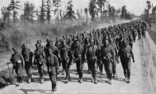 Russian troops going to the front Russian Troops NGM-v31-p372.jpg