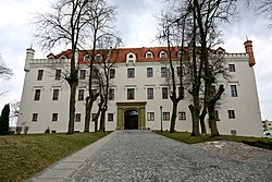 Ryn castle west 2011.jpg