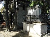 Sépulture de Charles Guillaume Alexandre BOURGEOIS - Cimetière Montmartre.JPG