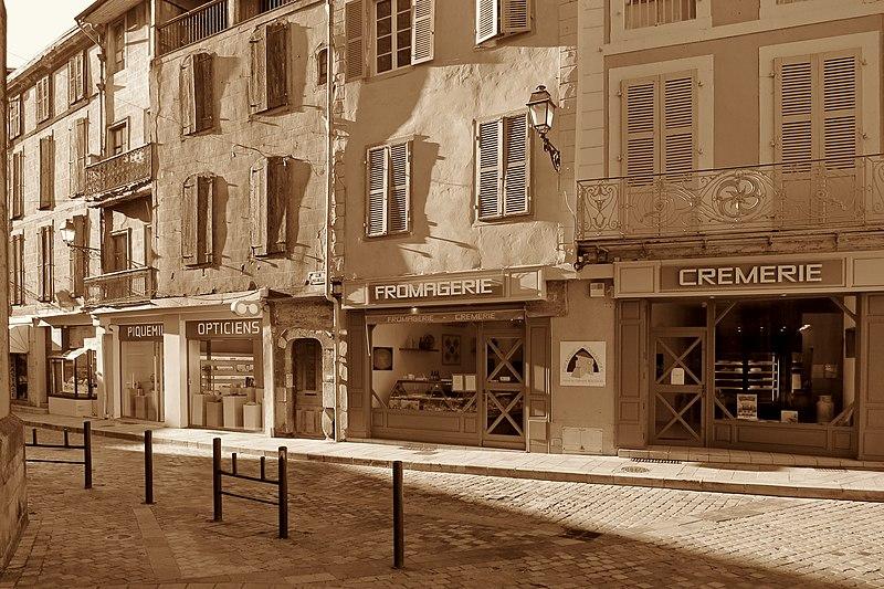 File:Saint-Gaudens - Rue Victor Hugo - 20151031 (1).jpg