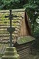 Sanok, skansen, lemkovský sektor, štít a kříž.jpg