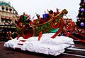 Santa Claus - Magic On Parade (11713098715).jpg