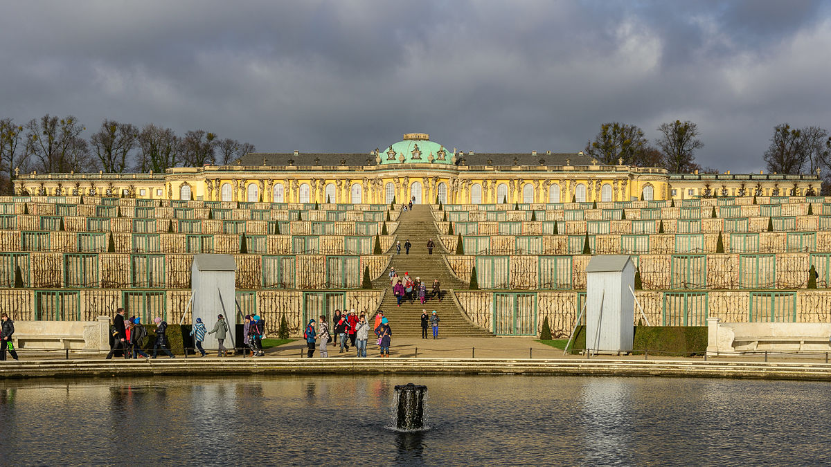 Schloss Sanssouci November 2013.jpg