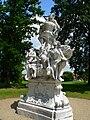 Schloss Seehof Tiertz Spulptur 1.jpg
