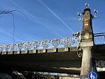 Schnewlinbrücke über die Dreisam und B 31a in Freiburg mit Jugendstilgeländer 2.jpg