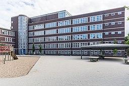 Schule Beim Pachthof (Hamburg-Horn).Hofseite.Klassenflügel.1.13081.ajb