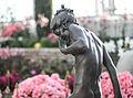 Sculpture (15806121381).jpg