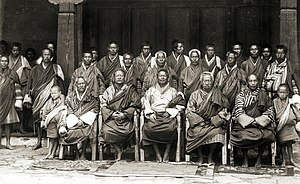 Politics of Bhutan - Ugyen Wangchuk with his councilors at Punakha, Bhutan (1905)