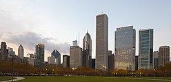 Skyline de Chicago desde el centro, Illinois, Estados Unidos, 2012-10-20, DD 08.jpg