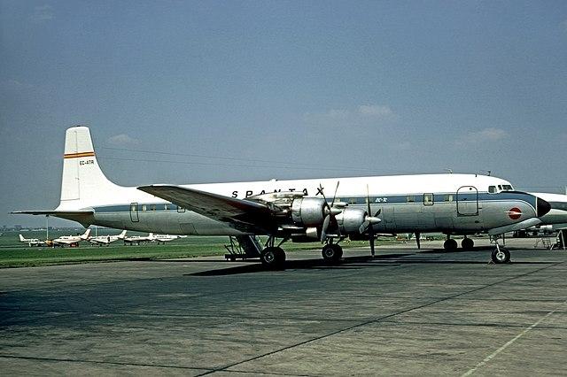 https://upload.wikimedia.org/wikipedia/commons/thumb/7/72/Spantax_Douglas_DC-7C_Volpati-1.jpg/640px-Spantax_Douglas_DC-7C_Volpati-1.jpg