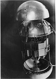 Sputnik 1 aberto, mostrando o seu interior