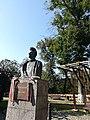 Statuie Pètofi Sighișoara.jpg