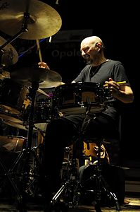 Steve Smith on drum, with Vital Information, 18th Eventus DrumFest Opole 2009.jpg