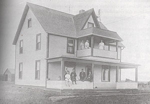 Charles Stewart (Canadian politician) - Stewart's farmhouse in Killam; Stewart himself is standing at lower left.