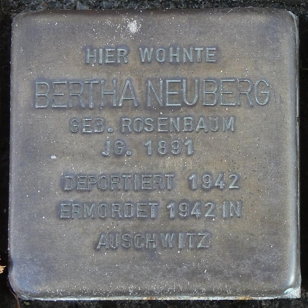Stolperstein Kirchstrasse 18 Legden Bertha Neuberg geb. Rosenbaum.jpg