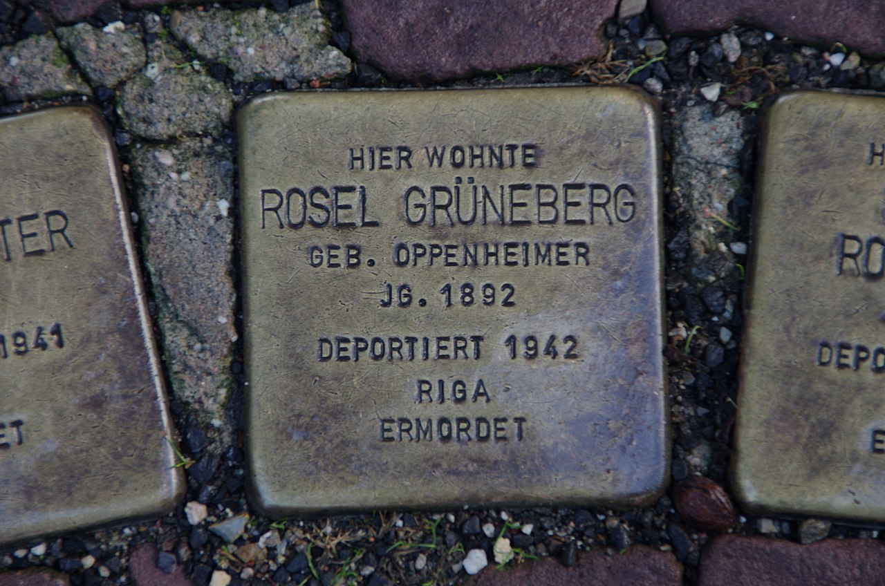 Stolpersteine Rosel Grüneberg Bad Wildungen.jpg
