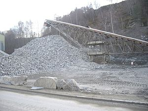 English: Stone conveyor belt Craiglash Quarry.
