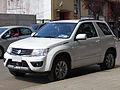 Suzuki Grand Vitara 2.4 GLX Sport 2013 (11039658034).jpg