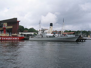 HSwMS Spica (T121) - HSwMS Spica moored outside of the Vasa Museum in July 2005. The tall funnel belongs to SS ''Sankt Erik'', moored on the other side of the jetty.