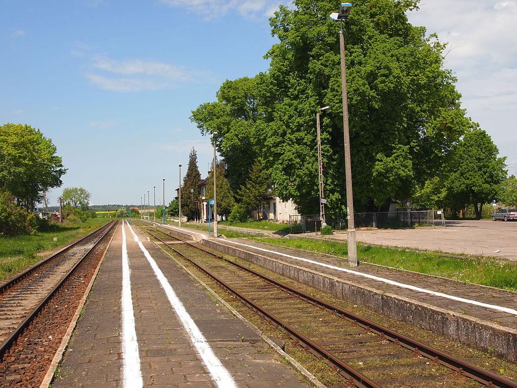 1024px-Sztum_stacja_kolejowa.JPG