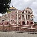 Teatro Amazonas Natal em Manaus vista lateral lado frontal esquerdo - panoramio.jpg