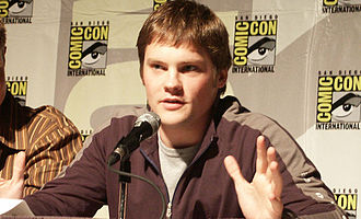 Veronica Mars - Teddy Dunn, who portrayed Duncan Kane, originally auditioned for the role of Logan.