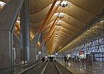 Terminal 4 del aeropuerto de Madrid-Barajas, España, 2013-01-09, DD 01.jpg