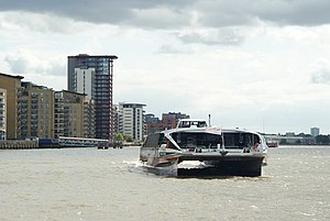 English: Thames Clippers Arrives at Canary Wha...