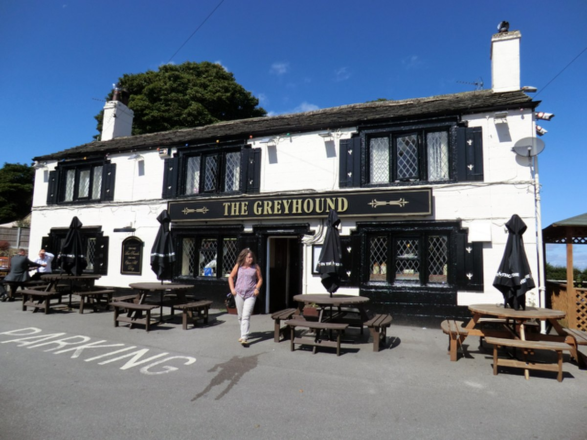 The Greyhound Pub Tong Village - panoramio.jpg