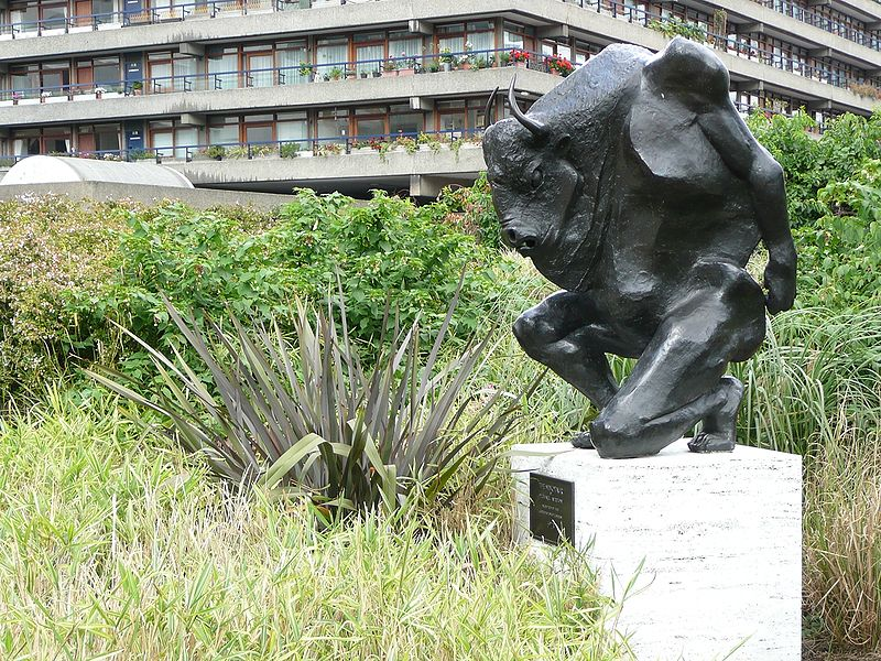 Bestand:The Minotaur Barbican.jpg