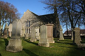 The west wall of Church of Scotland, New Pitsligo.jpg
