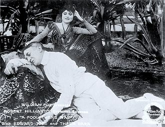 Theda Bara - Bara in A Fool There Was (1915)