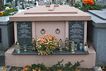 Tomb of Dręgiewicz and Penkala families at Central Cemetery in Sanok 1.jpg