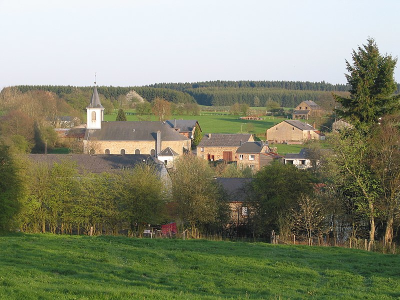 Transinne (Belgium), the village seen from the rue du Chêne.